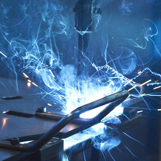 Špičkové technologie pro zakázkovou kovovýrobu z drátů a trubek